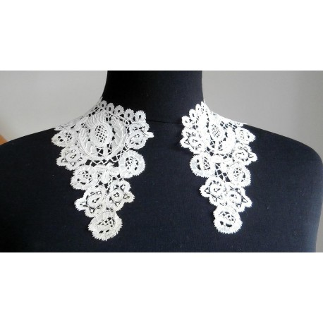 Antique Honiton Lace Collar with Butterflies and Thistles
