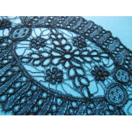 Antique Chantilly Very Fine Bobbin Lace Lappet - Scarf