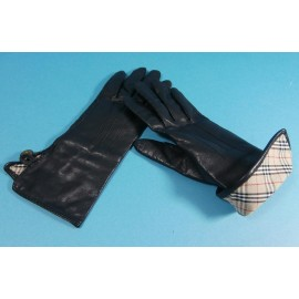 Burberrys Black Leather with Nova Check Lining Vintage Gloves