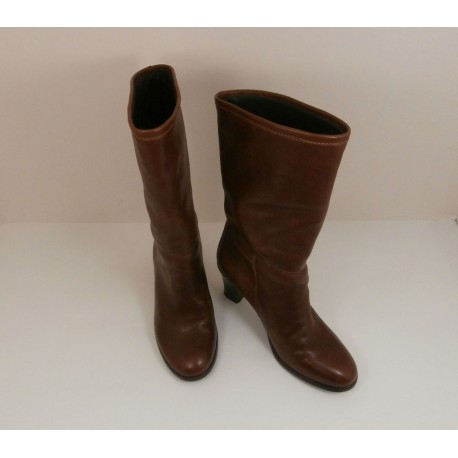 A.P.C Rue Madame Paris Exquisite Leather Inside and Out - Rich Conker - Mid Calf Boots.