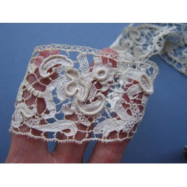 17th century Beautiful Italian Needle Lace