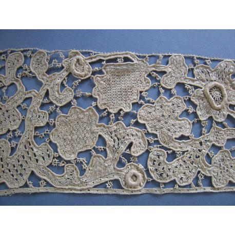 16-17th century Italian Mezzo Punto Needle - Bobbin Lace Border