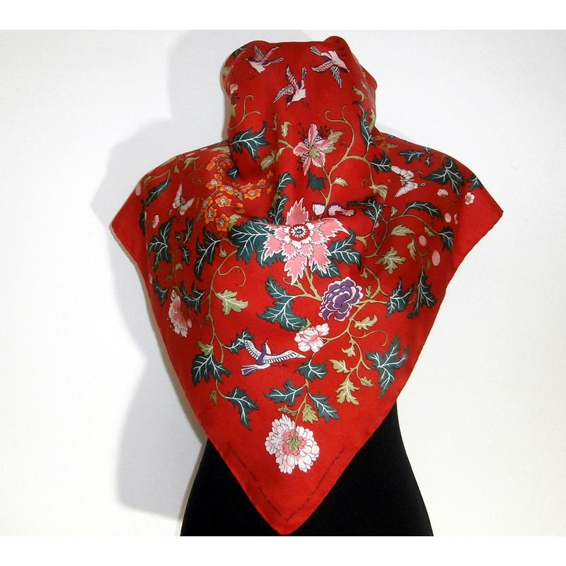 how to wear a chinese silk scarf